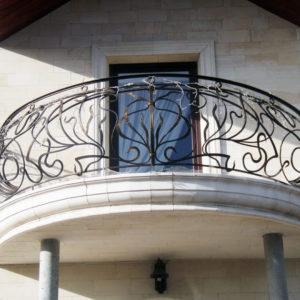 Кованые балконы Полукруглый кованый балкон Арт. Б-001 Norkovka
