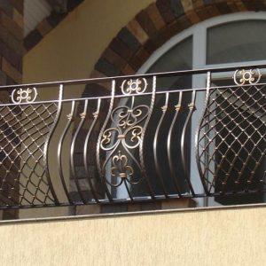 Кованые балконы Выпуклый кованый балкон Арт. Б-005 Norkovka